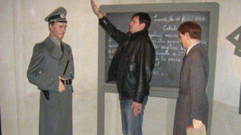 ВБолгарии замминистра покинул пост из-за скандала снацистским приветствием