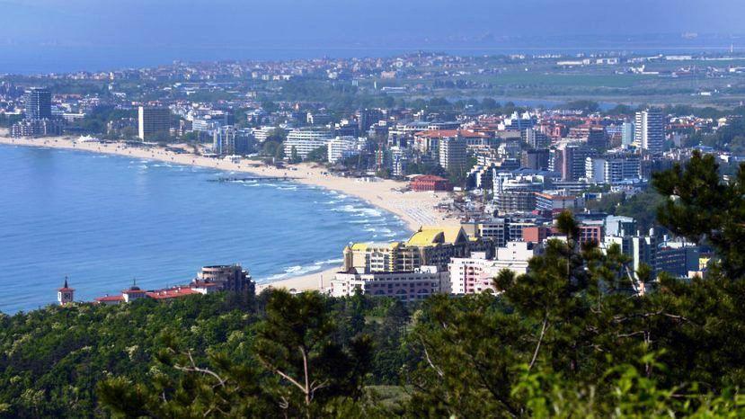 Солнечный берег вошел в тройку лидеров по дешевизне для британских туристов