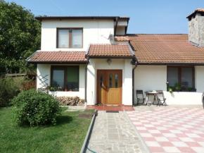 Дом в деревне 15км от моря
