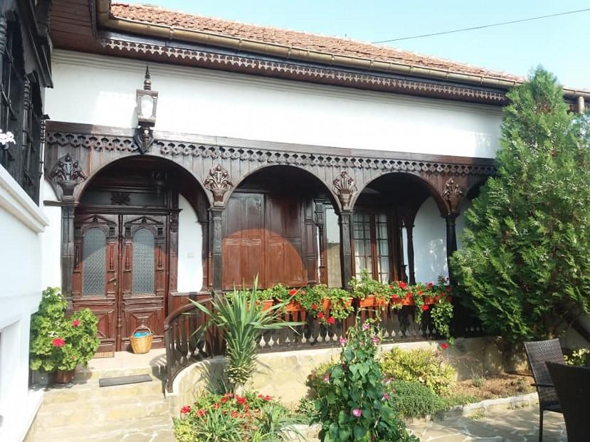 резной дом в селе Малык-Поровец